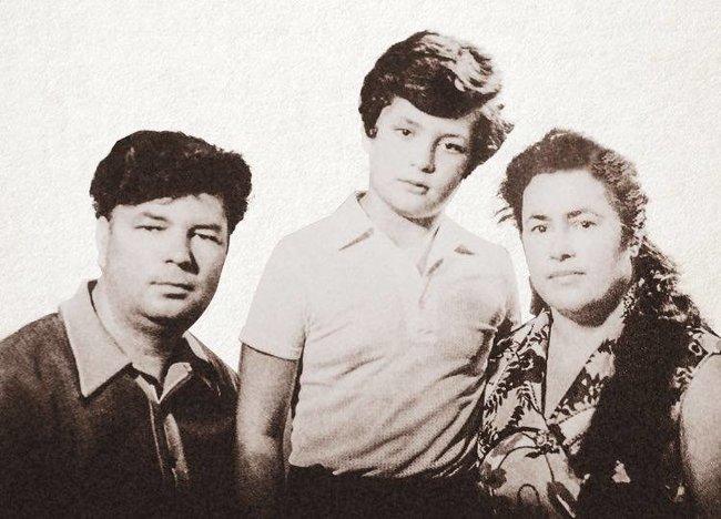 Петро Порошенко з татом і мамою