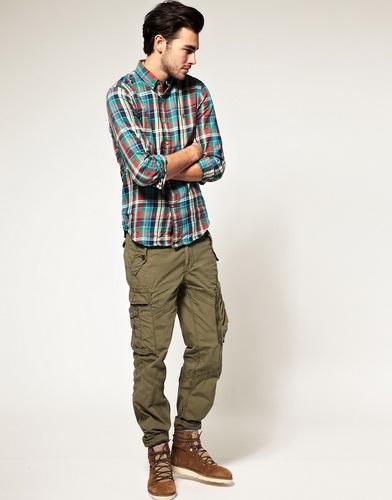 Штани карго відмінно виглядають з коротким піджаком вільного крою f44719e7ce6b4