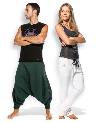 Це вільні спортивні штани з мінімумом швів. Штани повинні добре триматися  на талії і не перекручуватися. Найкраще вибирати вироби з сумішевих  матеріалів в ... 6f2f18efffc6b