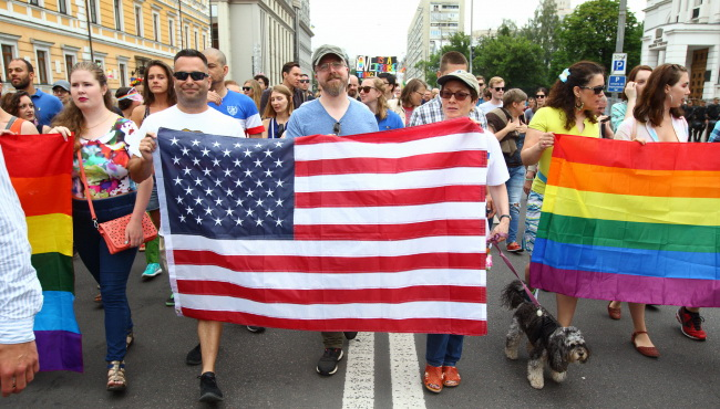 Марі Йованович на марші лесбіянок і гомосексуалістів 17 червня 2018 року в Києві